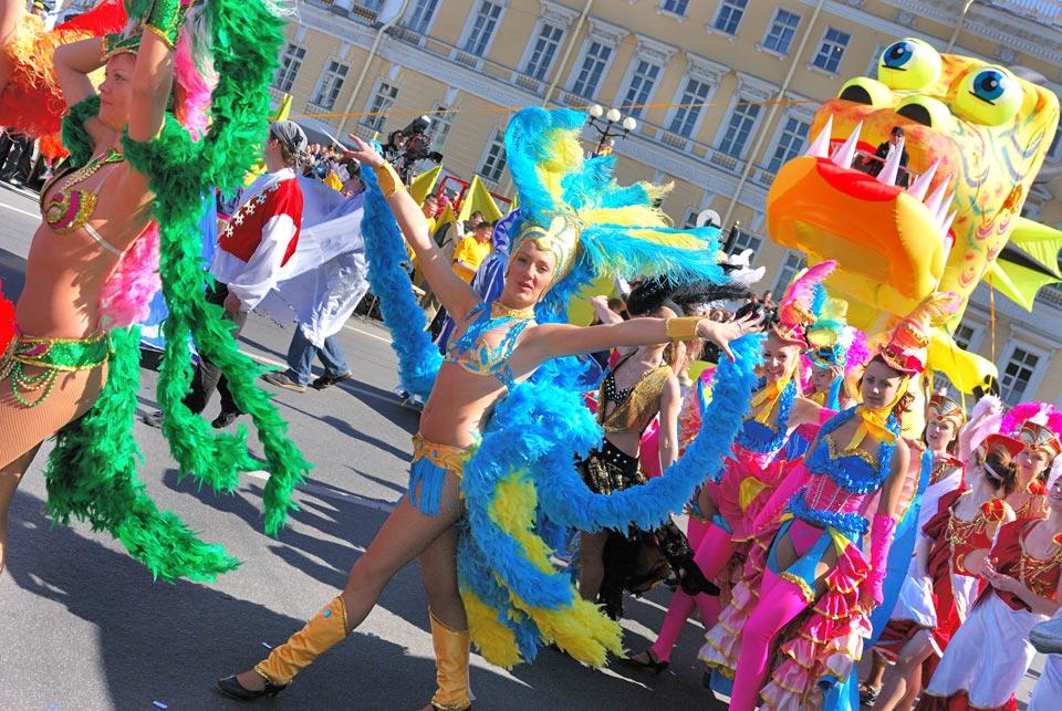 А вы подобрали карнавальный костюм ко Дню Города?