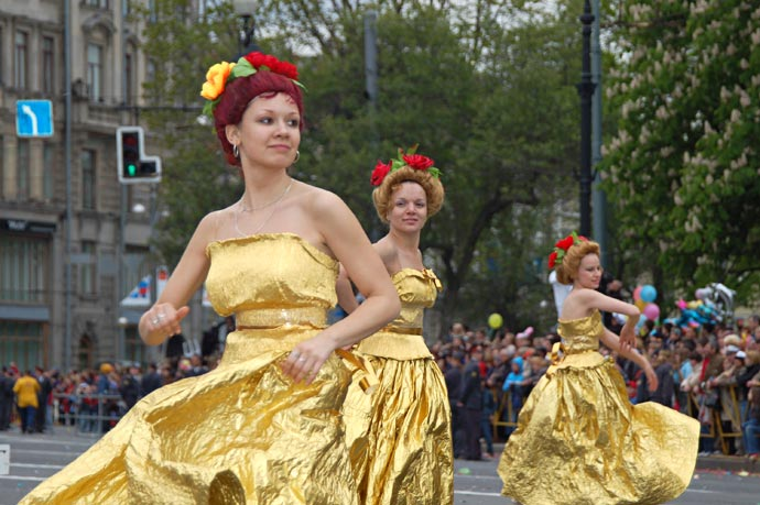 День города в Санкт-Петербурге, карнавальные костюмы