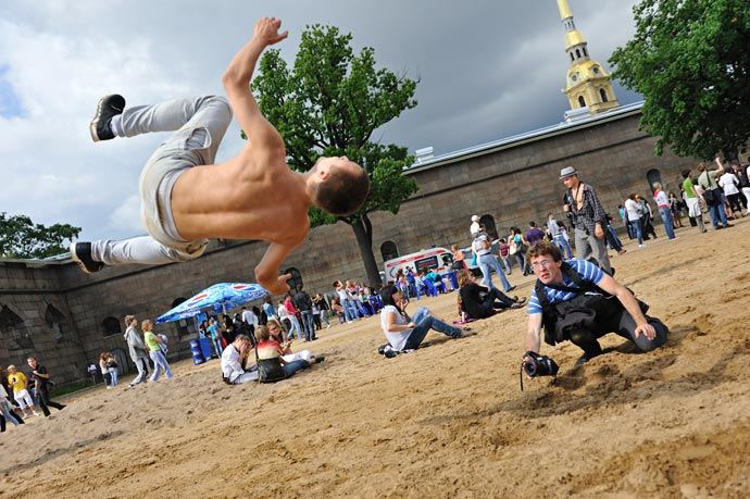 День молодежи в Санкт-Петербурге на пляже Петропавловки