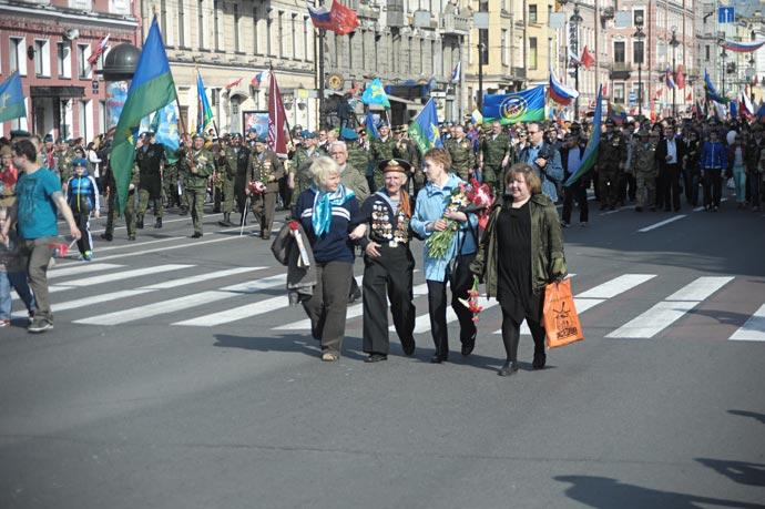 Парад ветеранов войны 2013 на Невском проспекте