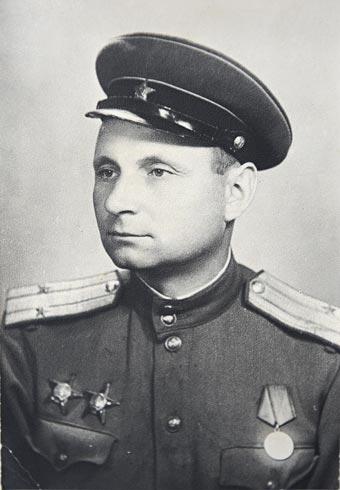 Военная фотография моего деда Юрченко Ф.А - офицера Красной Армии