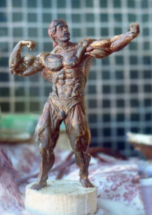 Пластилиновая модель - скульптура атлета