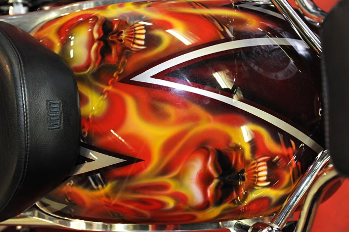 Мотоцикл - черепа - байкерская атрибутика