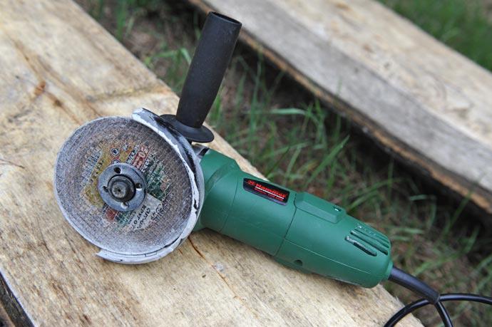 Болгарка - угловая шлифовальная машина Hammer USM 650 Вт