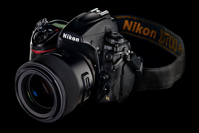 Предметная съемка черного на черном: фотокамера