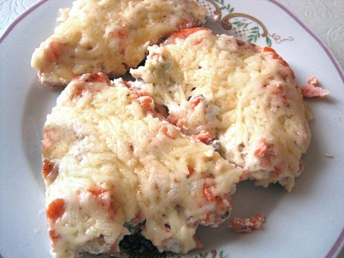Форель запеченная в сливках с сыром